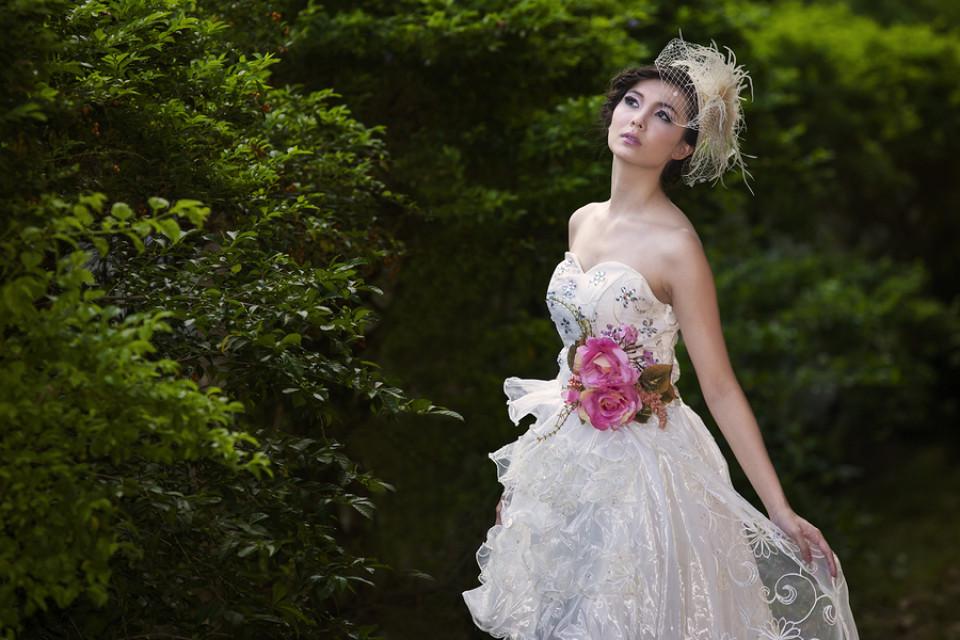 Aussergewohnliche Brautkleider Brautmode Fur Aussergewohnliche