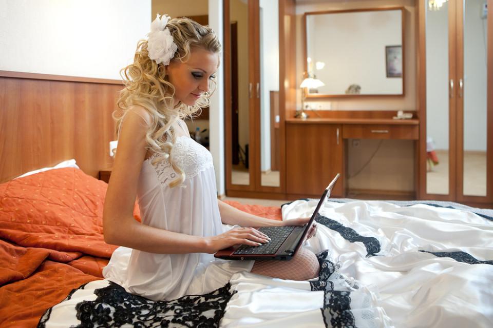 Brautkleider Online Bestellen | Brautmode aus dem Online Handel