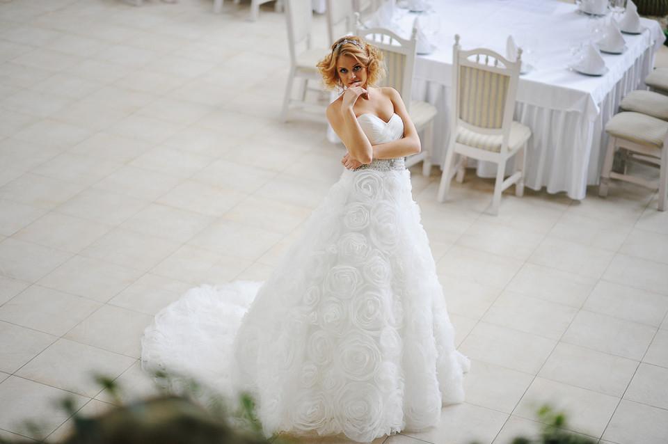 Brautkleider Ausleihen | Hochzeitskleider zum Verlieben und Mieten